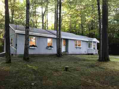 Plymouth Single Family Home Active Under Contract: 402 Mayhew Turnpike