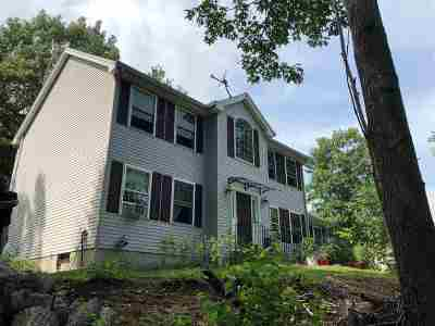 Hooksett Single Family Home For Sale: 1 Dove Road