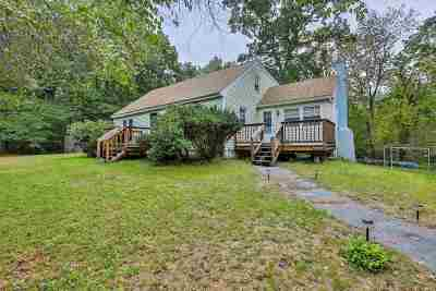 Pelham Single Family Home For Sale: 13 Chagnon Lane