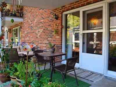 South Burlington Condo/Townhouse For Sale: 100 Kennedy Drive #67