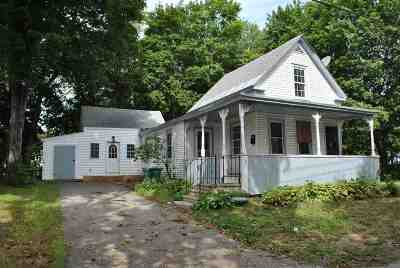 Rochester Single Family Home For Sale: 100 Winter Street