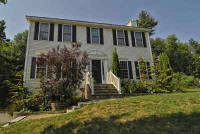 Bedford Single Family Home For Sale: 48 Greenfield Parkway