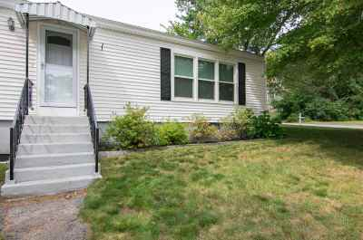 Manchester Single Family Home For Sale: 8 Circuit Street