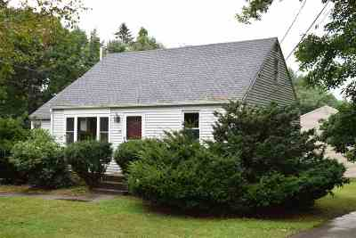Exeter Single Family Home For Sale: 25 Hampton Road