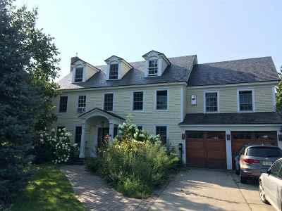 Chittenden County Single Family Home For Sale: 74 Overlake Park