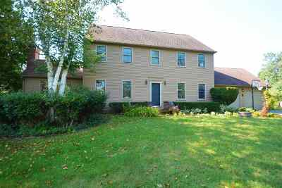 Strafford County Single Family Home For Sale: 5 Carriage Way