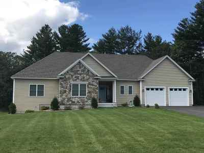 Salem Single Family Home For Sale: 71 A Haverhill Road