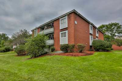 Salem Condo/Townhouse Active Under Contract: 117 Cluff Crossing Road #10