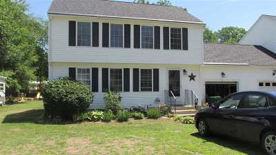 Seabrook Single Family Home For Sale: 21 True Road