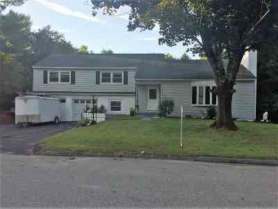 Strafford County Single Family Home For Sale: 25 Westwood Circle