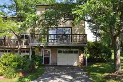 South Burlington Condo/Townhouse Active Under Contract: G12 Stonehedge Drive #G12