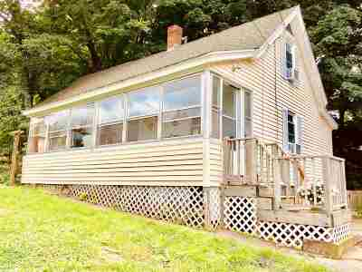 Strafford County Single Family Home For Sale: 8 Kings Lane