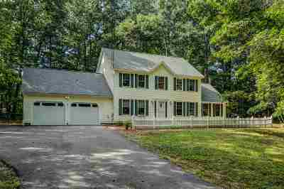 Merrimack Single Family Home Active Under Contract: 7 Farmer Road