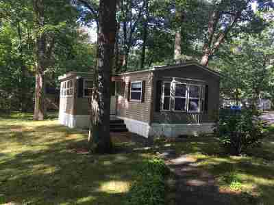 Strafford County Mobile/Manufactured For Sale: 53 Colonial Village
