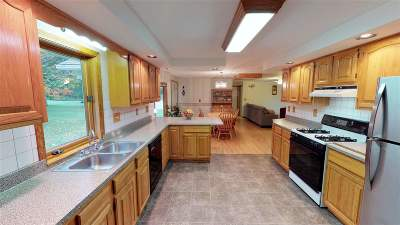 Dover Single Family Home For Sale: 420 Blackwater Road
