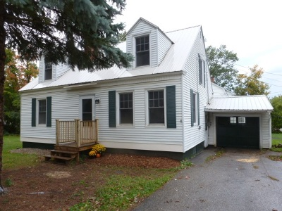 St. Albans City Single Family Home For Sale: 16 Lakeview Terrace