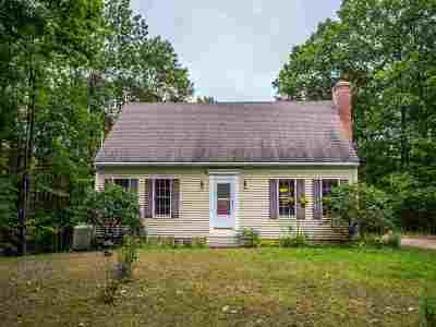 New Boston Single Family Home For Sale: 274 Chestnut Hill Road