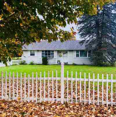 Poultney Single Family Home For Sale: 381 E. Main Street