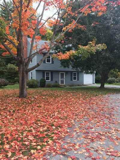 Merrimack Condo/Townhouse For Sale: 15 Winding Brook Lane