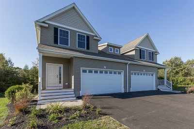 Stratham Condo/Townhouse For Sale: 8 Cider Mill Lane