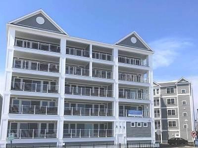 Hampton Condo/Townhouse For Sale: 377 Ocean Boulevard #8