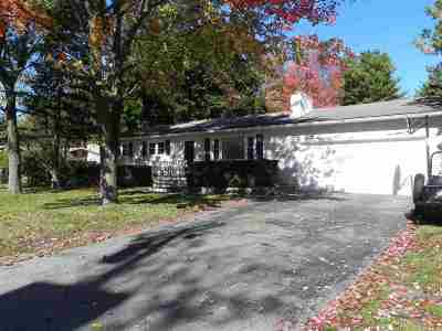 Chittenden County Single Family Home For Sale: 52 Laurel Hill Drive