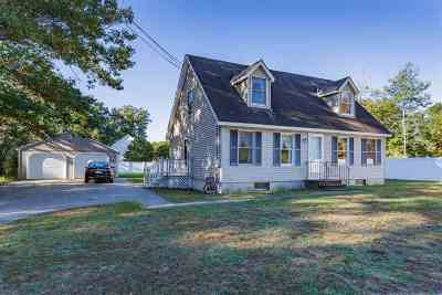 Strafford County Single Family Home For Sale: 147 Old Dover Road