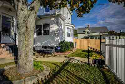 Manchester Single Family Home For Sale: 329 Bremer Street
