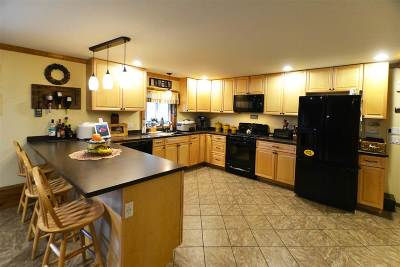 Wolcott Single Family Home For Sale: 7 Sunny Meadow Lane