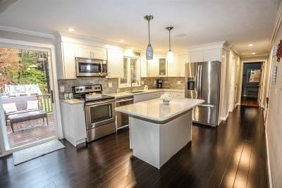 Auburn Single Family Home For Sale: 10 Lantern Lane