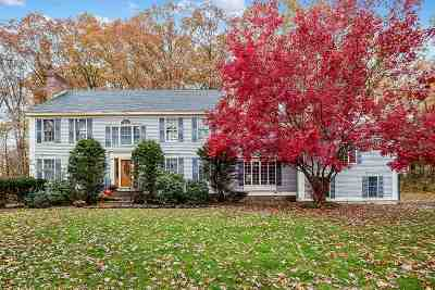 Salem Single Family Home For Sale: 6 Stoneybrook Lane