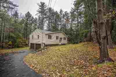 Derry Single Family Home For Sale: 28 Walnut Hill Road