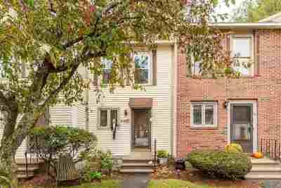 Merrimack Condo/Townhouse For Sale: 40 Shelburne Road
