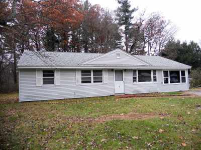 Salem Single Family Home For Sale: 9 Green Acre Drive