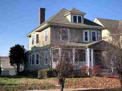 Manchester Single Family Home For Sale: 830 Beech Street