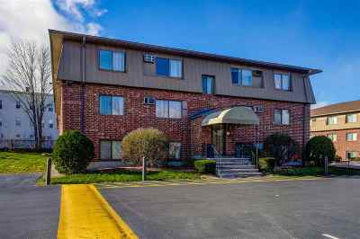 Manchester Condo/Townhouse For Sale: 35 Log Street #2A