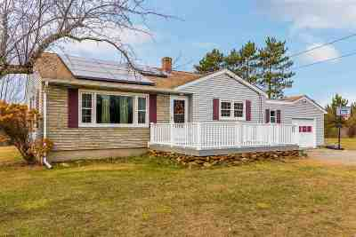 Strafford County Single Family Home For Sale: 16 Midway Park