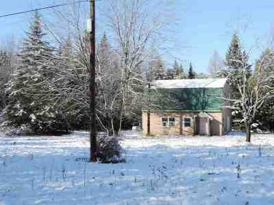 Orleans County Single Family Home For Sale: 911 Chapdelaine Road