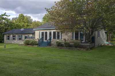 Orleans County Single Family Home For Sale: 474 Sunset Acres