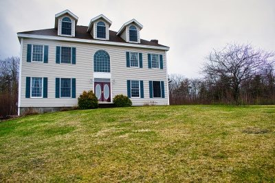 Laconia Single Family Home For Sale: 92 Magnum Drive