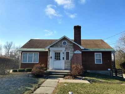 Middlebury Multi Family Home For Sale: 98 Court Street