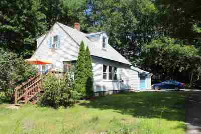 Strafford County Single Family Home For Sale: 4 Quarry Road