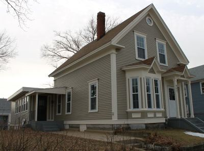 Manchester Single Family Home For Sale: 407 Lake Avenue