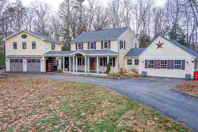 Bedford Single Family Home For Sale: 7 Stonehenge Road