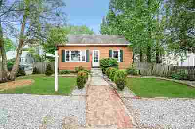 Manchester Single Family Home For Sale: 73 Young Street