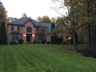 Bedford Single Family Home For Sale: 148 Powder Hill Road