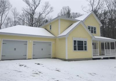 Strafford County Single Family Home Active Under Contract: 5 Red Oak Lane