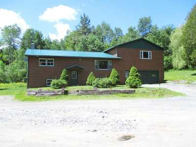 Orleans County Single Family Home For Sale: 639 Vt Rte 105 Highway