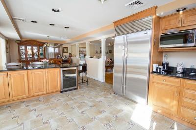 Salem Single Family Home For Sale: 3 Ellsmere Avenue