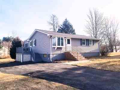 Salem Single Family Home For Sale: 10 Colonial Drive